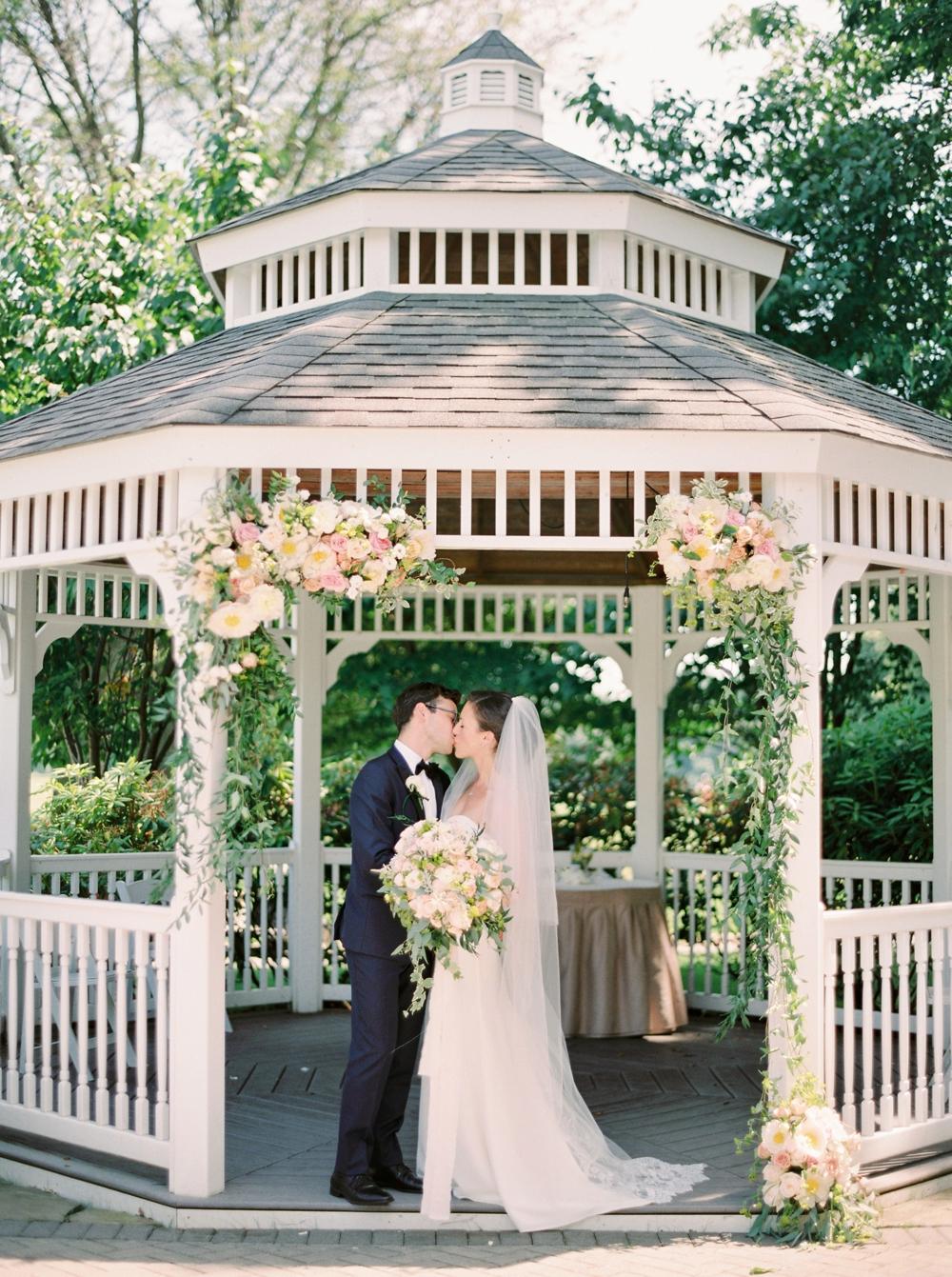 Calgary_wedding_photographers_0418.jpg