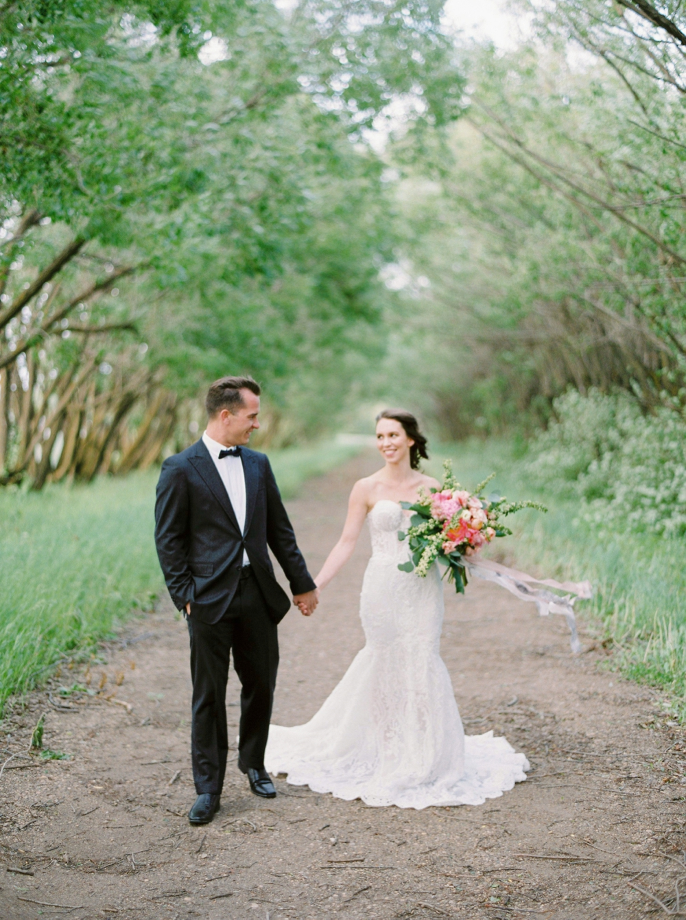 Edmonton wedding photographers | stunning overhanging tree location | pink bridal bouquet | galia lahav wedding dress inspiration | Justine Milton fine art film wedding photographers
