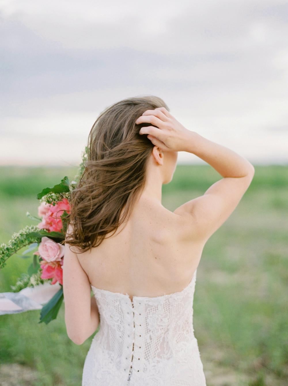 Edmonton wedding photographers | pink bridal bouquet | galia lahav wedding dress inspiration | Justine Milton fine art film wedding photographer