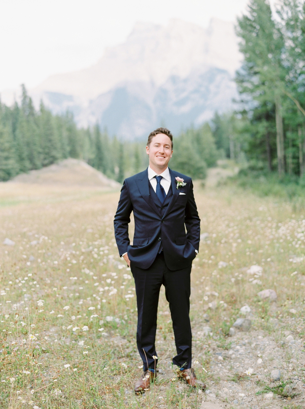 groom portrait | Banff springs wedding photographers | fairmont banff rocky mountain wedding | Justine Milton fine art film Photography