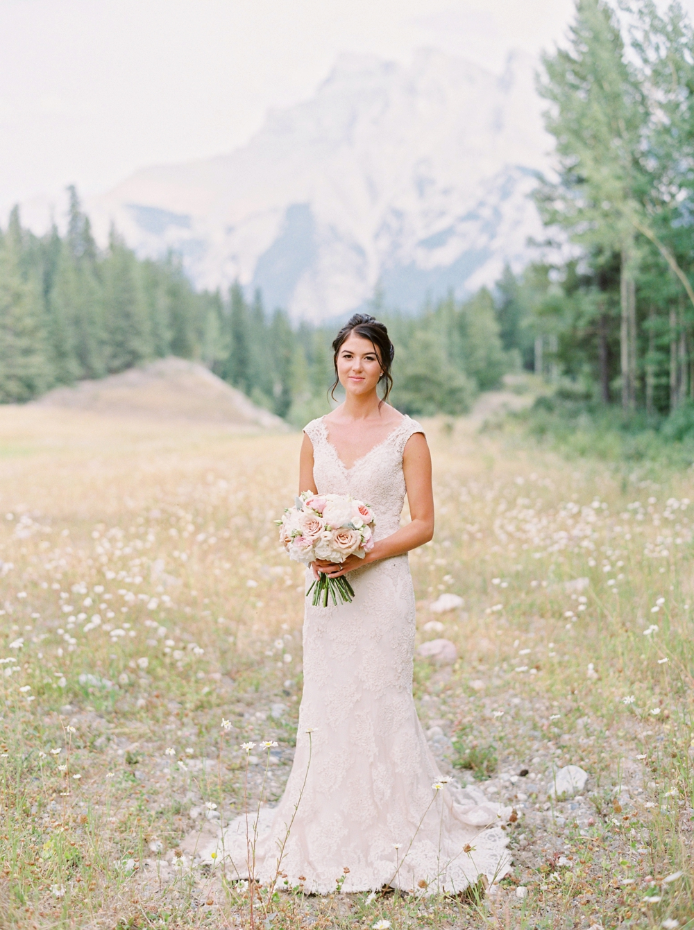 bride and groom portrait | Banff springs wedding photographers | fairmont banff rocky mountain wedding | Justine Milton fine art film Photography
