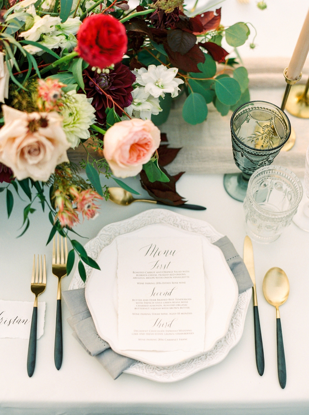 wedding table decor | Painted Rock Winery | Penticton wedding photographer | Kelowna Wedding photography | Okanagan Wedding photographers | Justine Milton fine art film