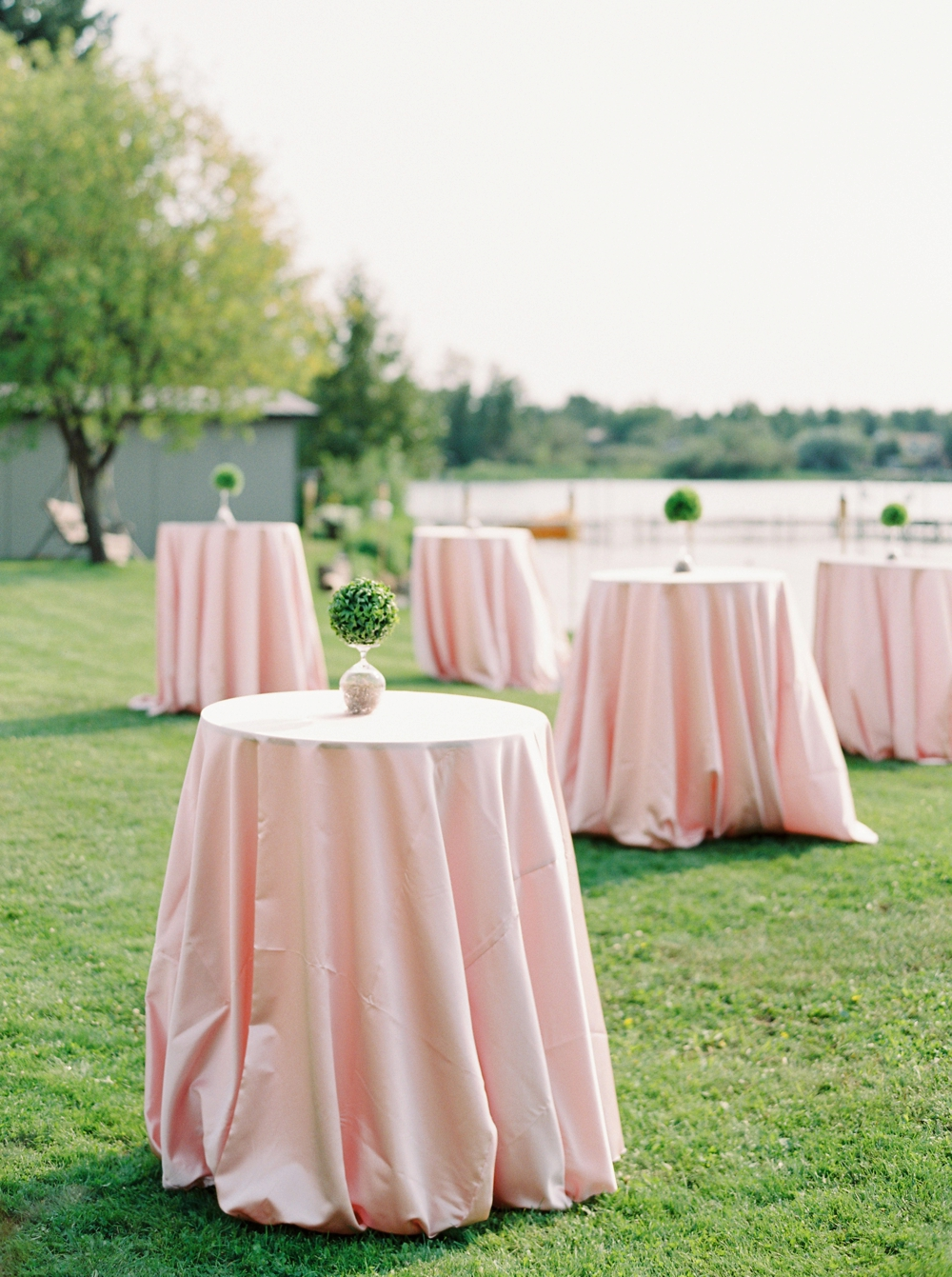 Edmonton Wedding Photographers | Cocktail table decor Wizard Lake | Justine Milton Fine Art Film Photography