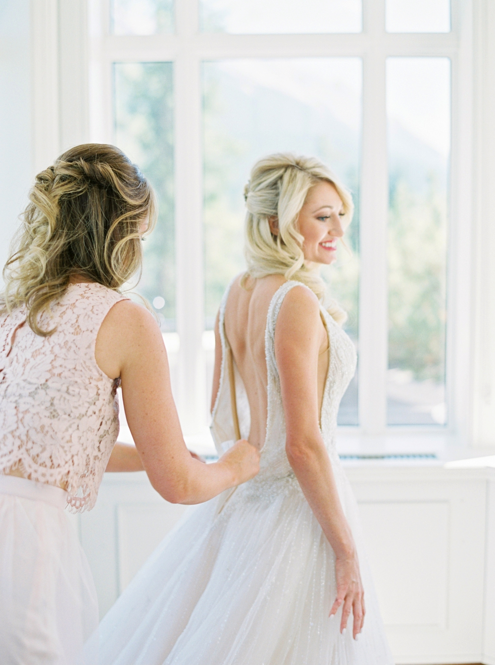 Bride Getting ready wedding | Banff Wedding Photographers | Justine Milton fine art film photography