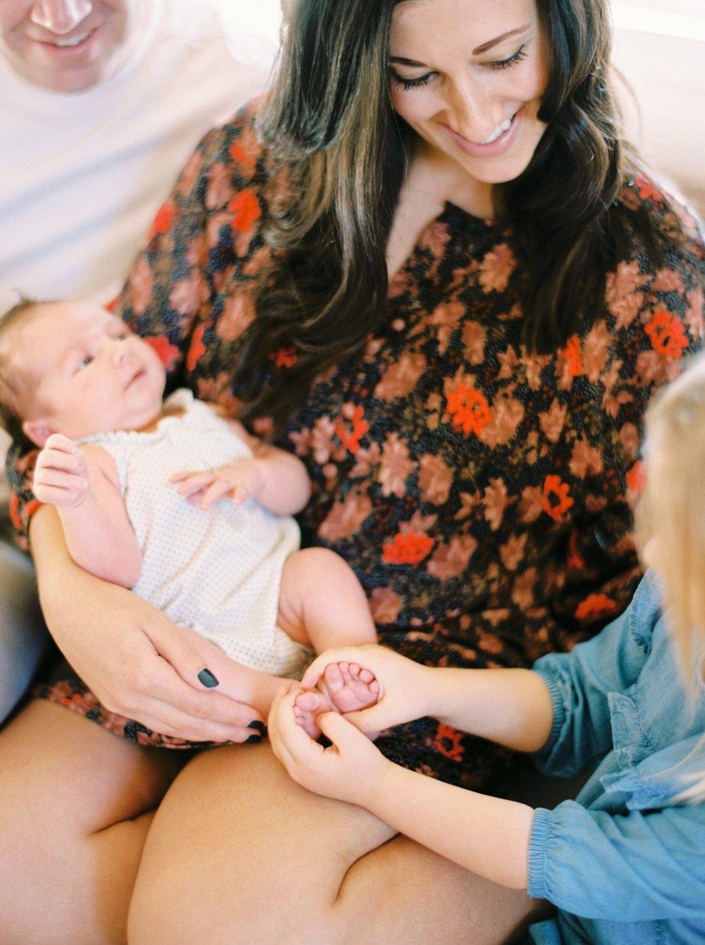 Calgary Newborn Family Photographers_0036.jpg