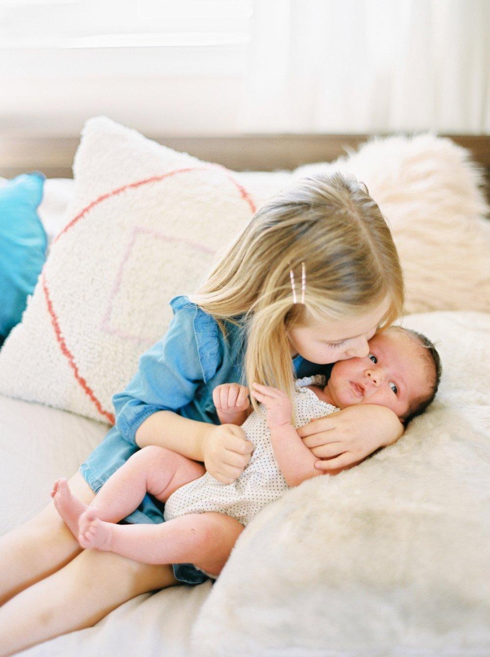 Calgary Newborn Family Photographers_0040.jpg