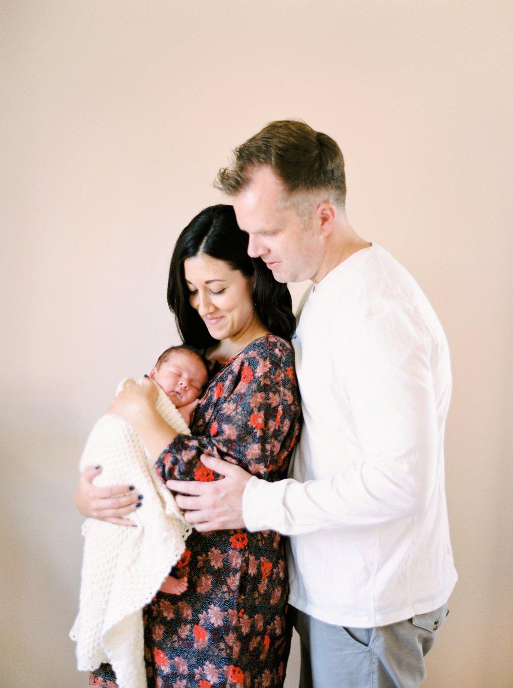 Calgary Newborn Family Photographers_0042.jpg