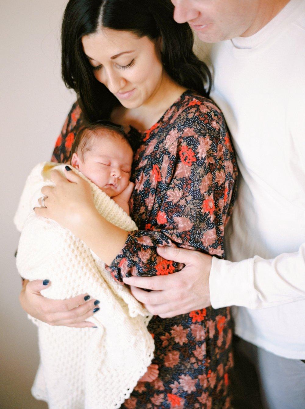 Calgary Newborn Family Photographers_0043.jpg