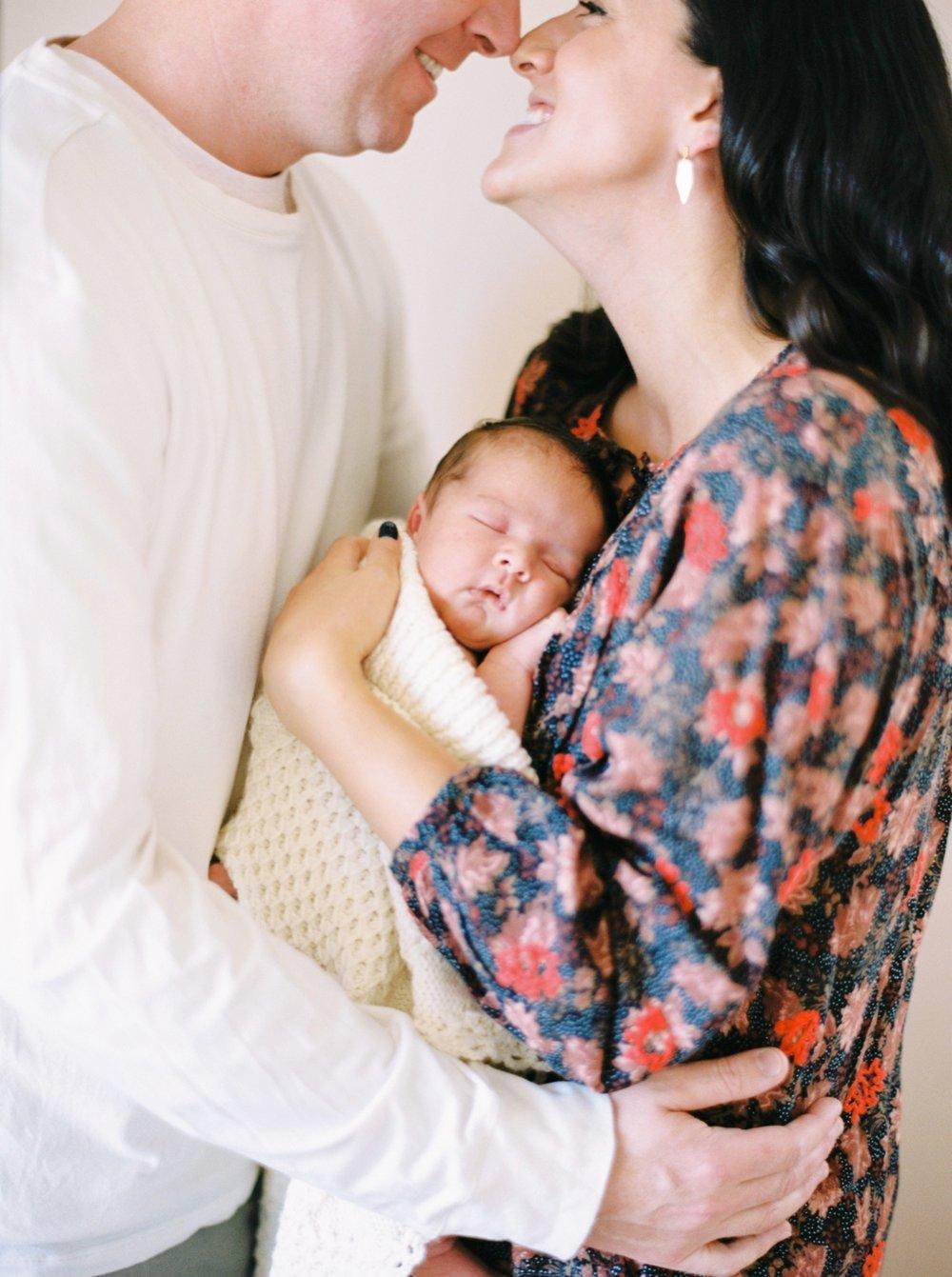 Calgary Newborn Family Photographers_0045.jpg