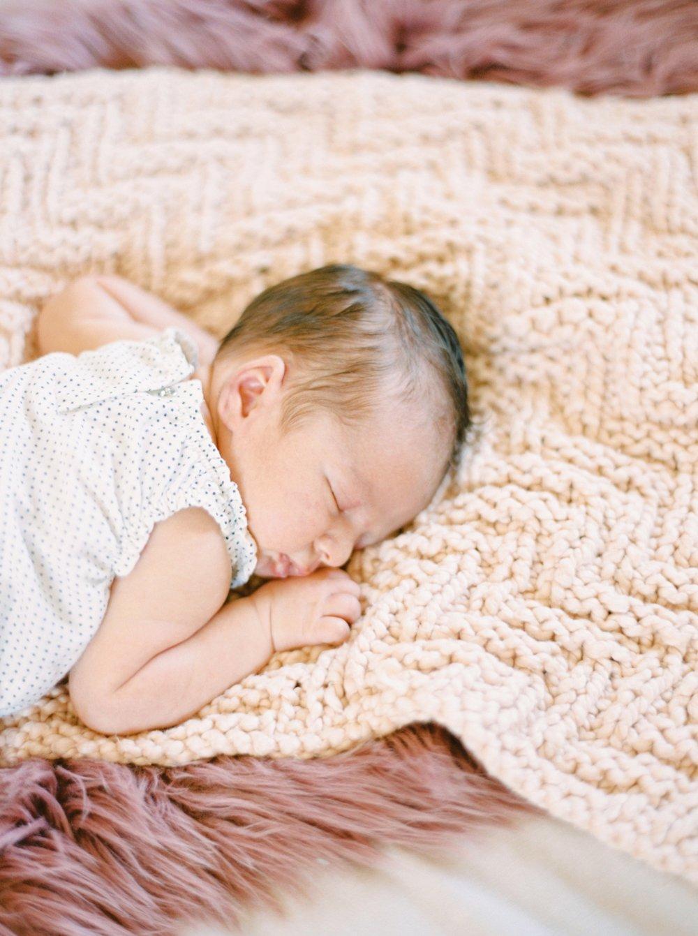 Calgary Newborn Family Photographers_0049.jpg