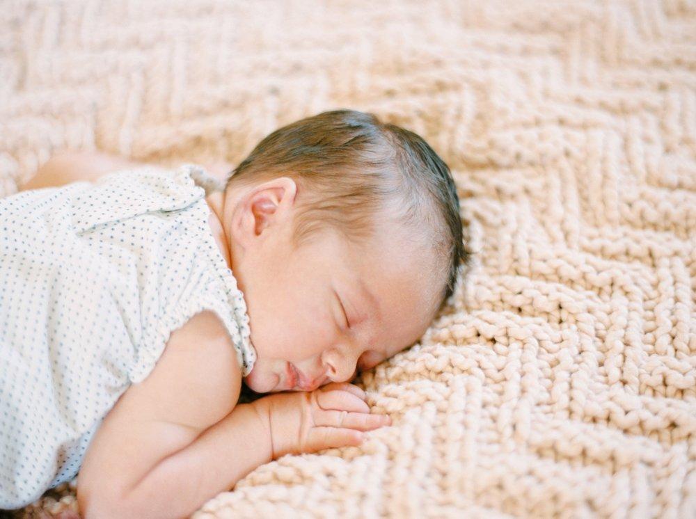 Calgary Newborn Family Photographers_0051.jpg