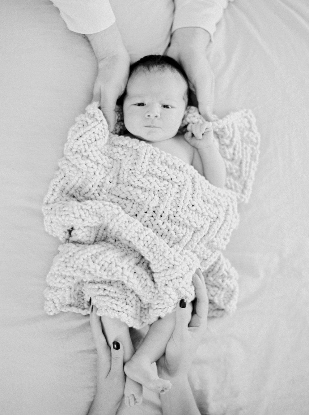 Calgary Newborn Family Photographers_0055.jpg