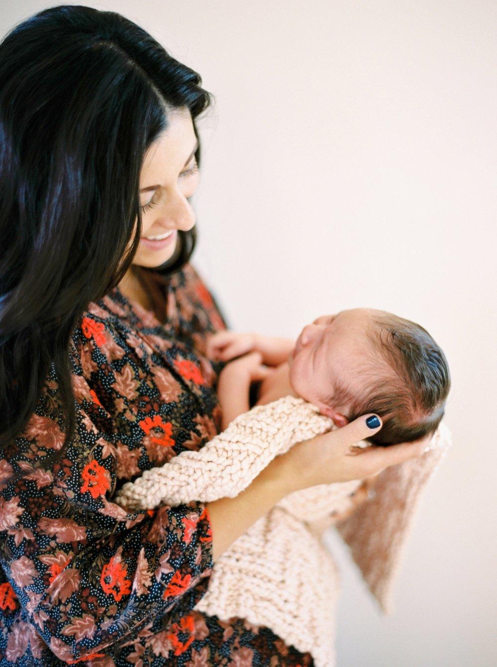 Calgary Newborn Family Photographers_0054.jpg