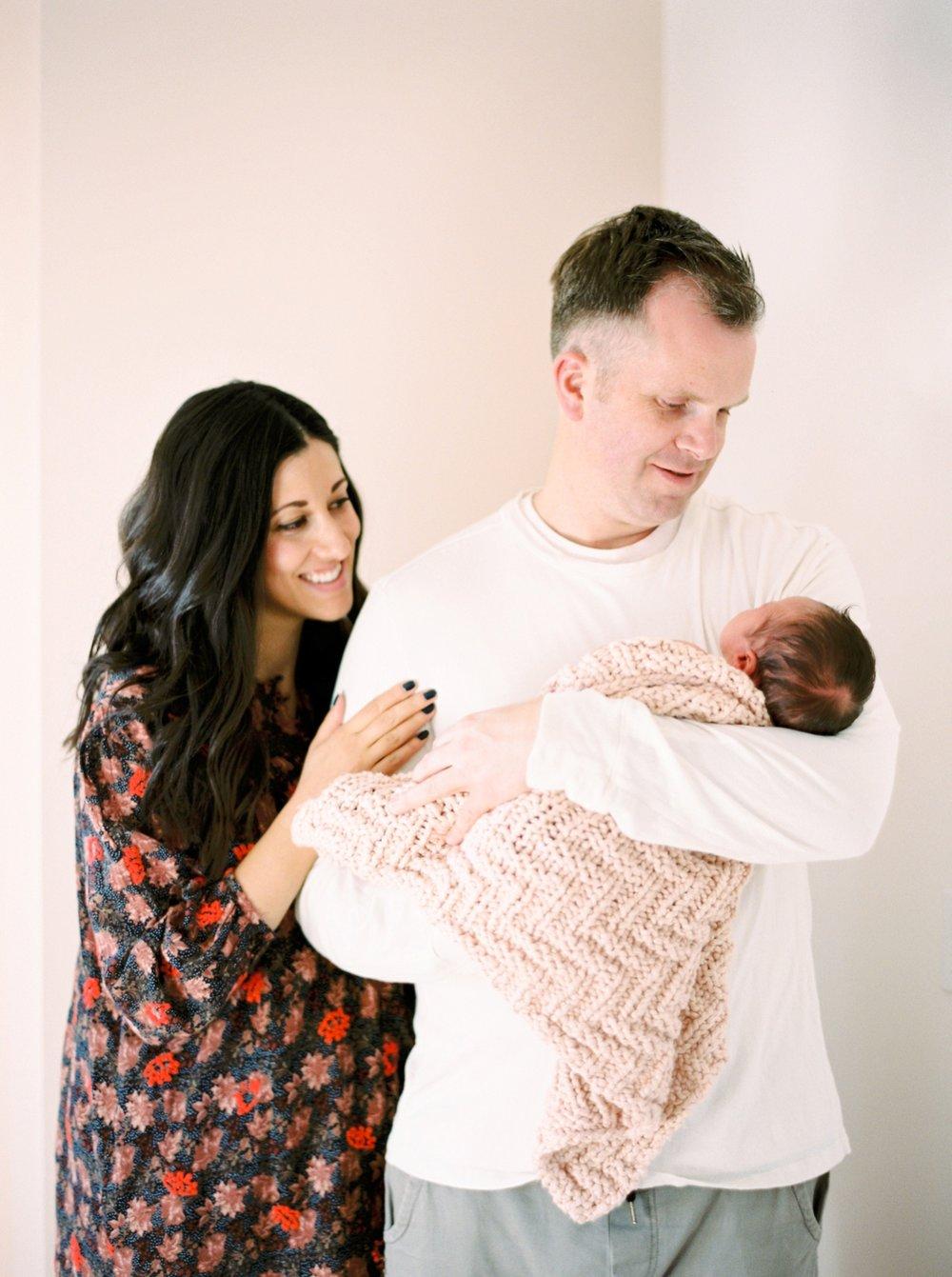 Calgary Newborn Family Photographers_0056.jpg