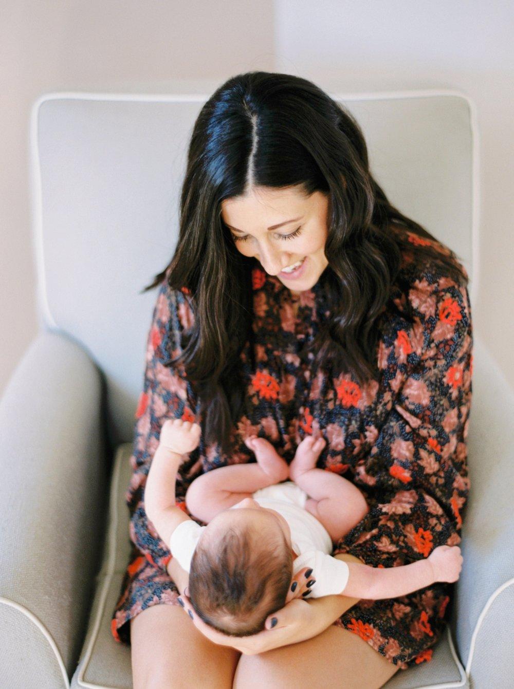 Calgary Newborn Family Photographers_0057.jpg