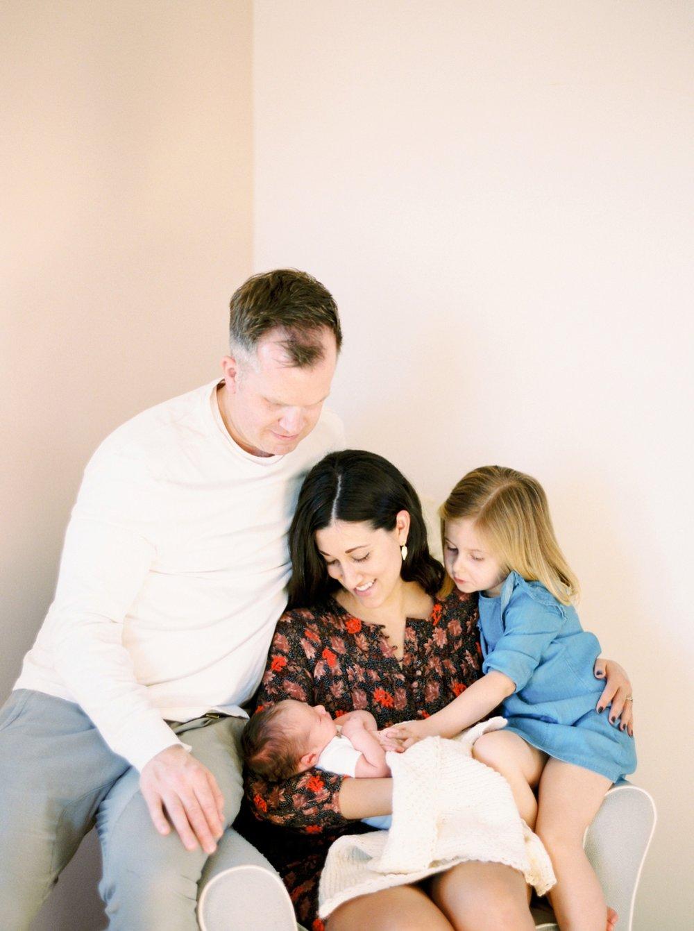 Calgary Newborn Family Photographers_0065.jpg