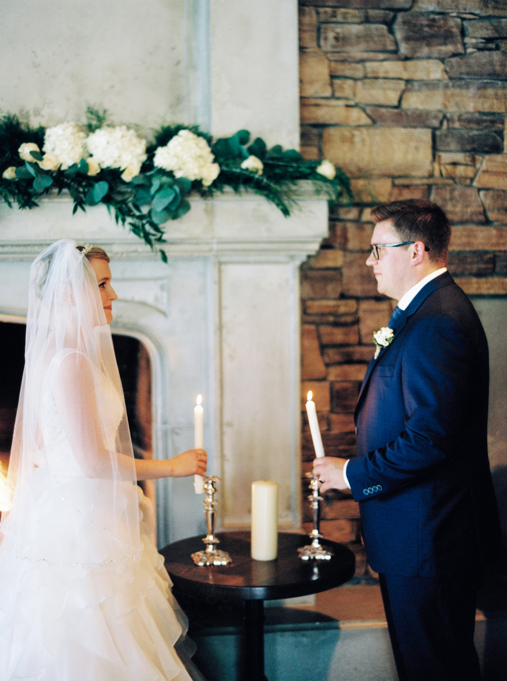 Calgary wedding photographers | The lake house wedding | Fireplace wedding ceremony | Justine Milton Photography