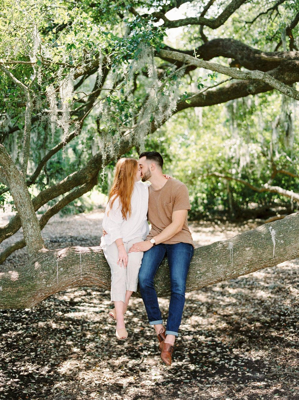 Charleston wedding photographers | charleston anniversary | Justine Milton fine art film Photography | south carolina anniversary | couple | kissing