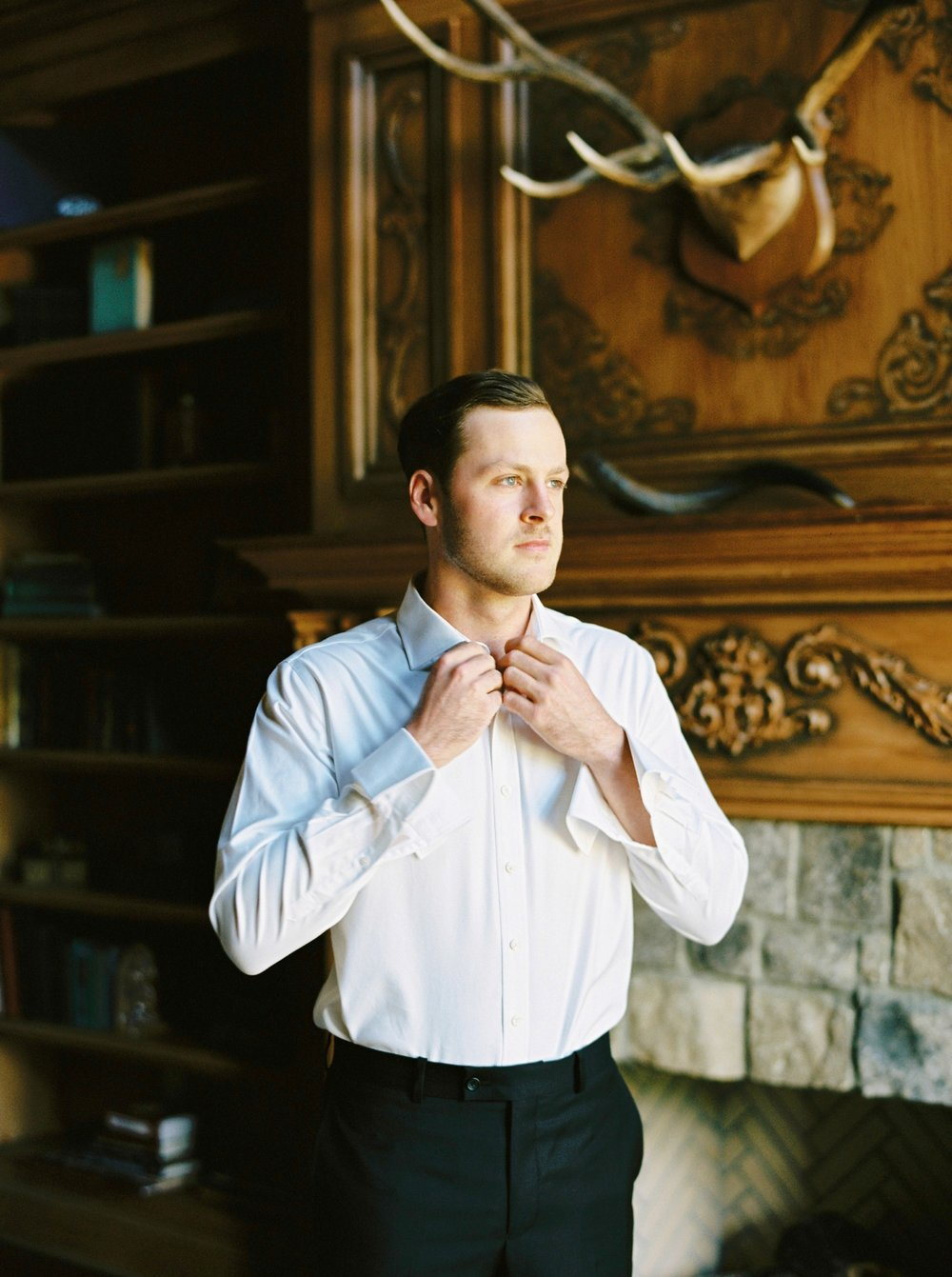 Calgary wedding photographers | georgia wedding photographers | fine art film | Justine Milton Photography | wedding details | georgia wedding | groom getting ready