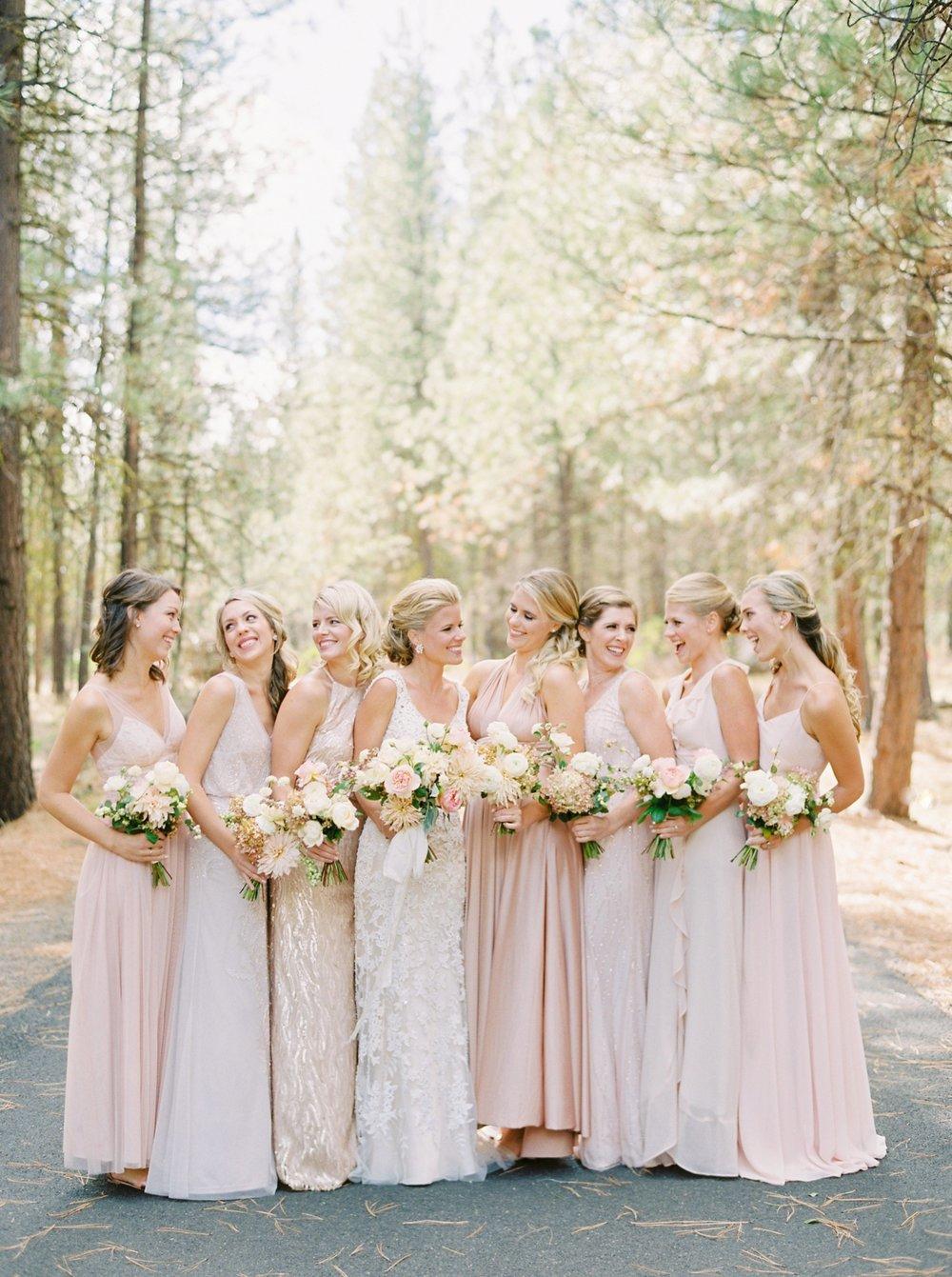 Calgary wedding photographers | oregon wedding photographers | fine art film | Justine Milton Photography | oregon wedding | bridesmaids portraits | pastel bridesmaids dresses