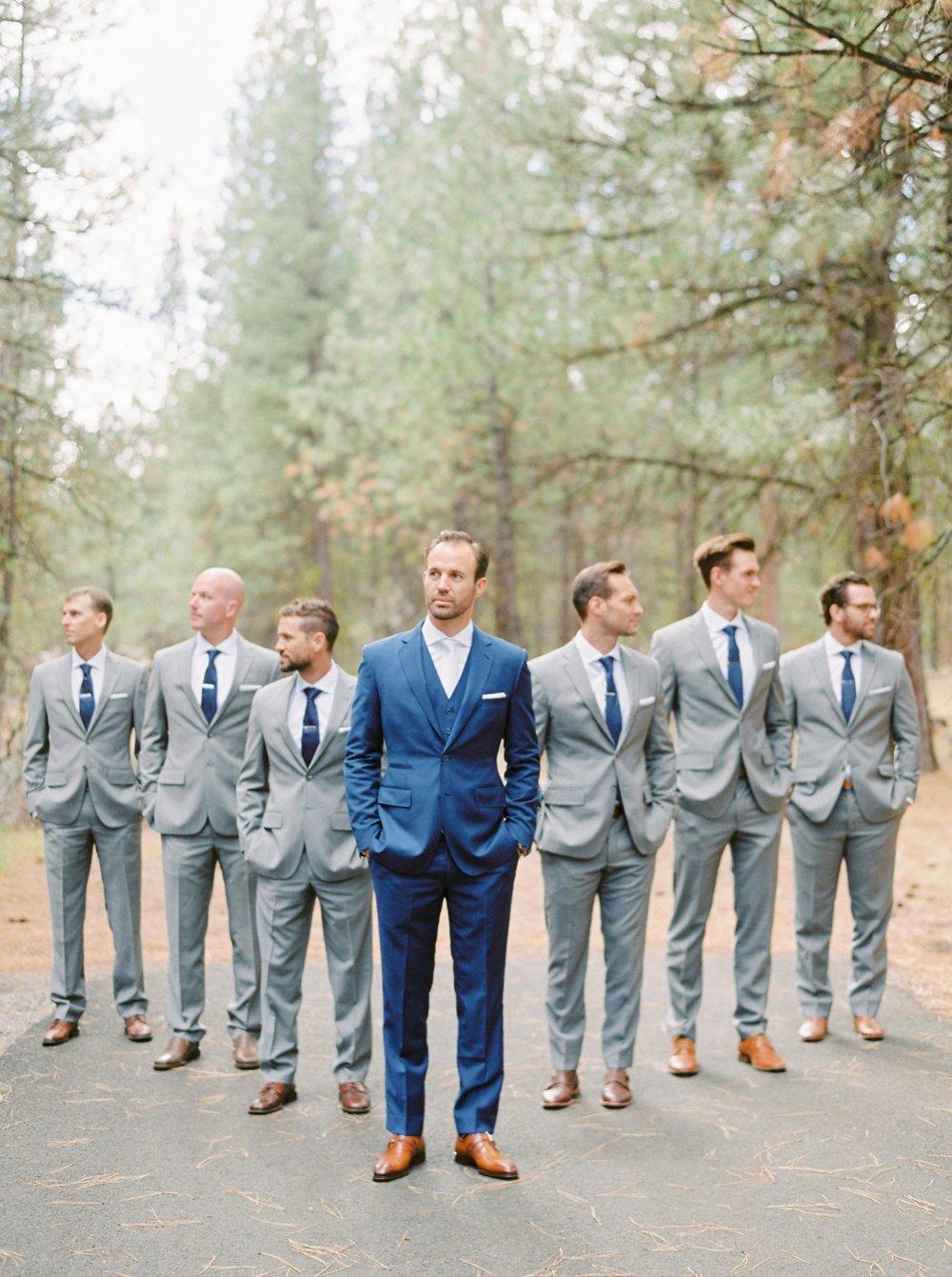 Calgary wedding photographers | oregon wedding photographers | fine art film | Justine Milton Photography | oregon wedding | groom portraits | groomsmen portraits | grey suit | blue suit