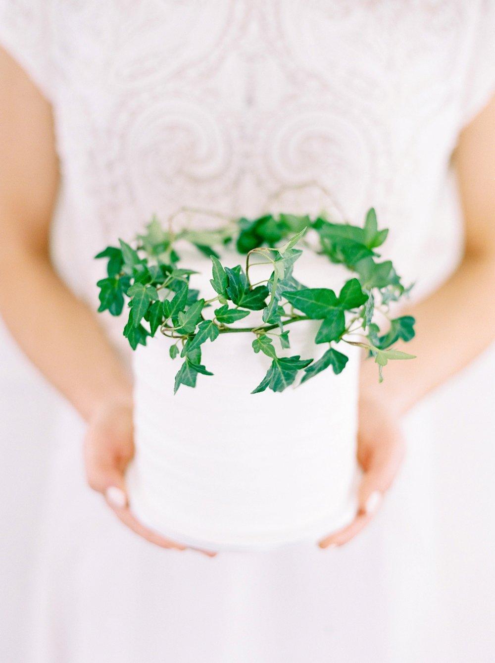 Calgary wedding photographers | fine art film | Justine Milton Photography | wedding details | editorial | wedding inspiration | wedding cake