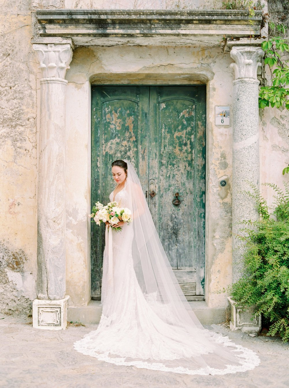 Ravello Italy Amafli Coast destination wedding photographers | english speaking wedding photographer in Italy | Justine Milton Photography | bridal portraits