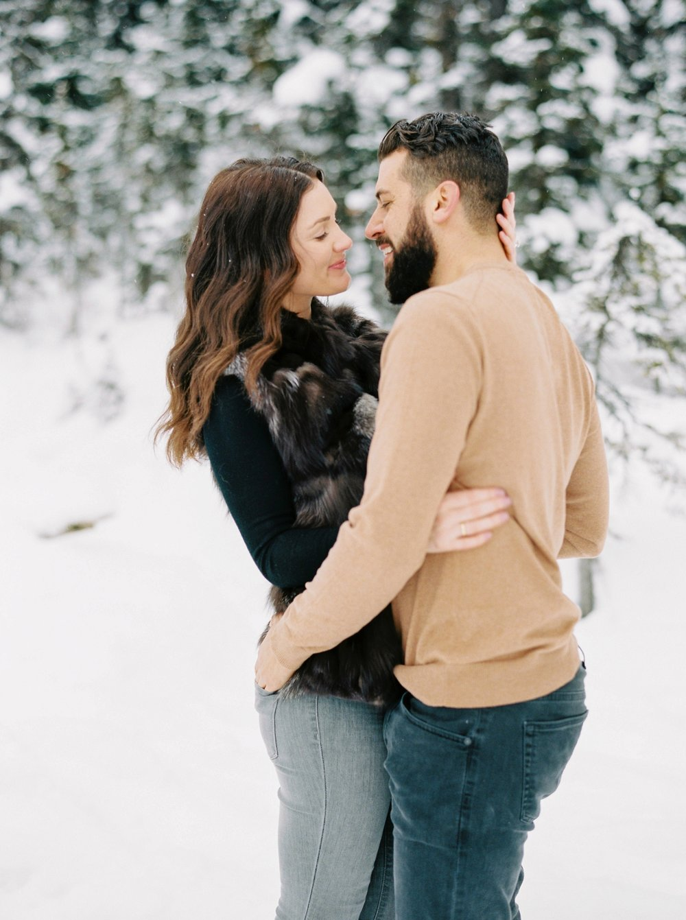 Lake Louise Banff Engagement Session | Winter Snowy Couples Photos | Banff photographers | Jusitne Milton Photography