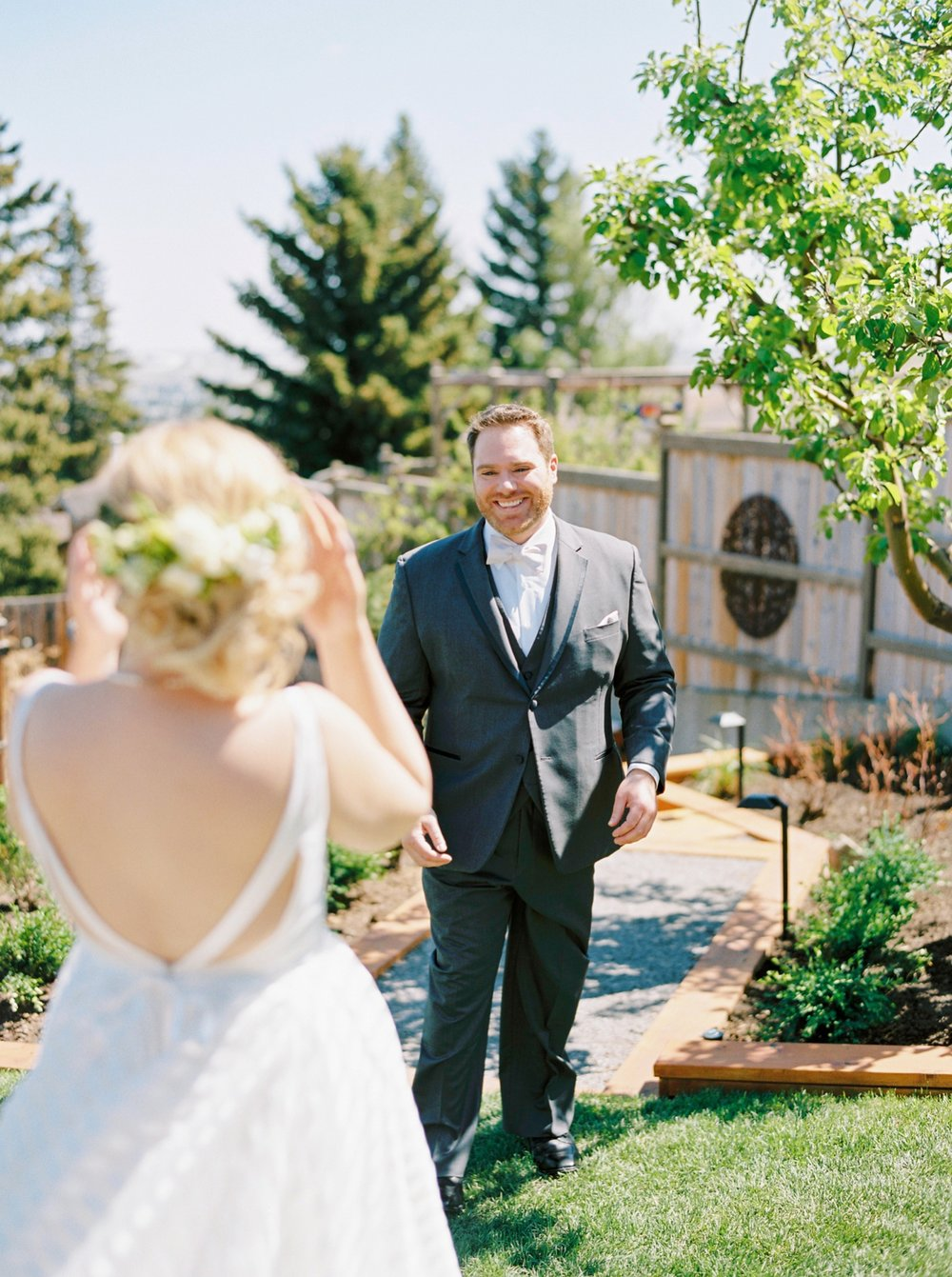 calgary wedding photographers | Ukrainian wedding | justine milton fine art photographer | first look