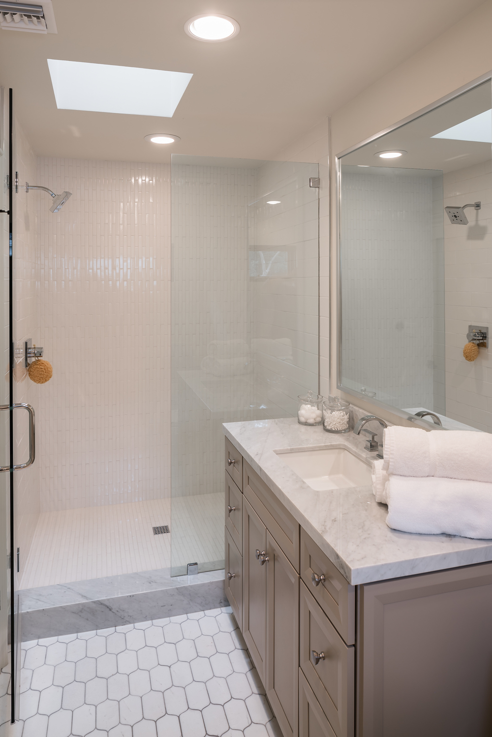 11905_saltair_avenue_MLS_HID1025706_ROOMbathroom.jpg
