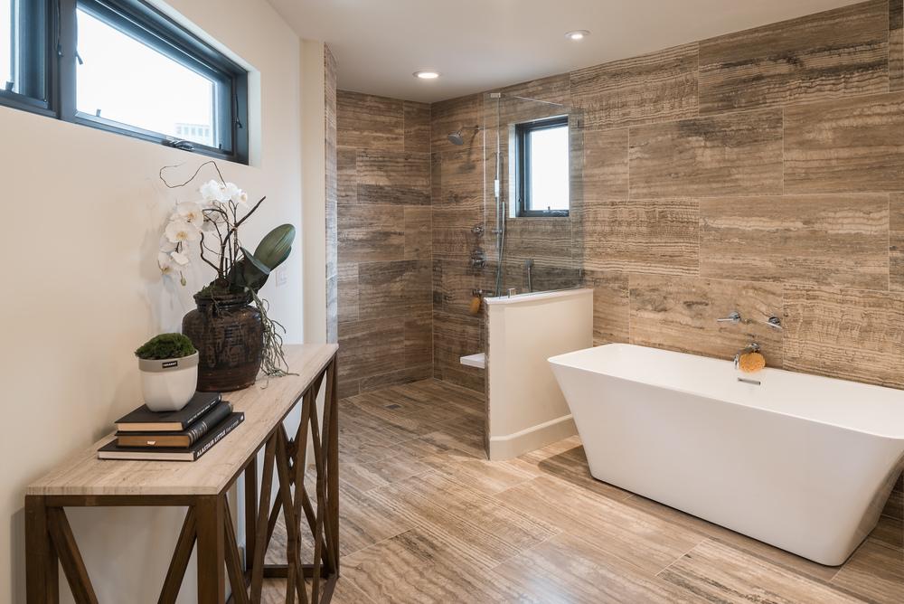 11905_saltair_avenue_MLS_HID1025706_ROOMmasterbathroom.jpg