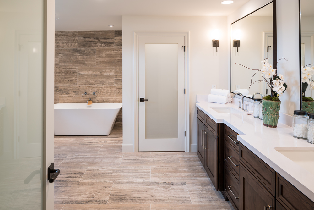 11905_saltair_avenue_MLS_HID1025706_ROOMmasterbathroom1.jpg