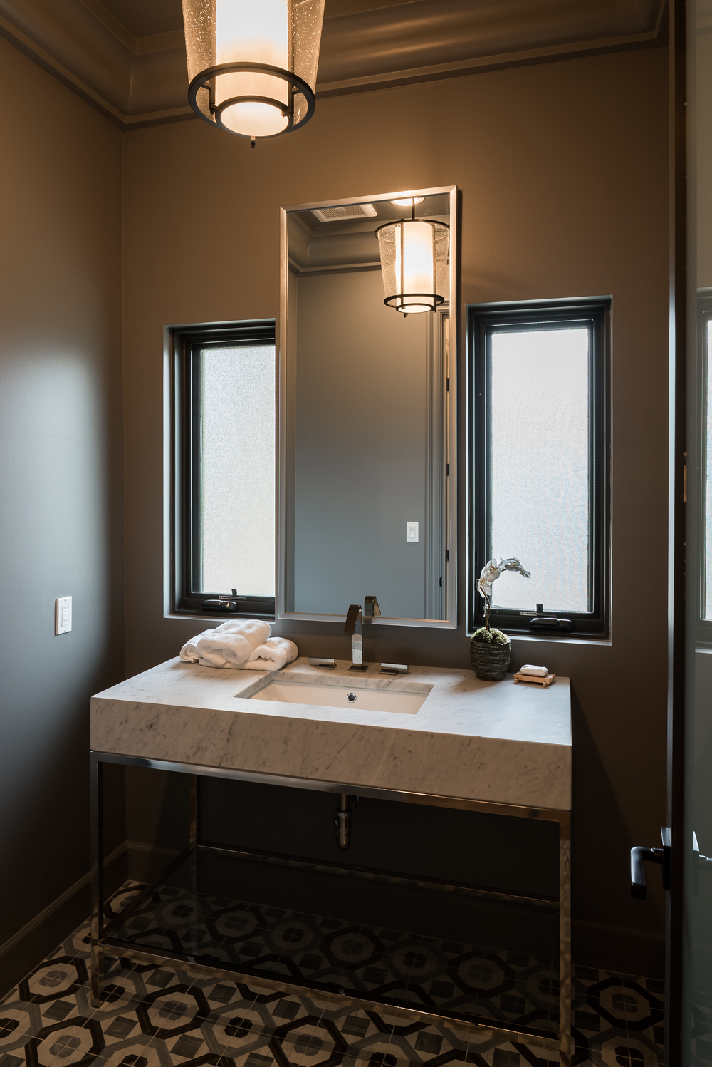 11905_saltair_avenue_MLS_HID1025706_ROOMpowderroom.jpg