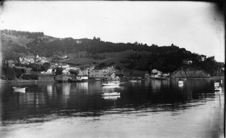 Shelter Cove was the home of the California Launch Building Company, and Bixen and Munfrey Boatyard circa late 1890—1900.