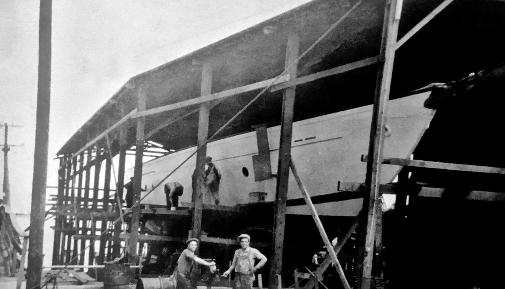"'Zaca' under construction in Nunes boatyard - 1929-1930."" The SHS accession number for the photo is 95-135."