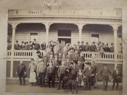 A gathering of Independent Old Friends on the steps of the El Monte Hotel.  Photo courtesy of Sausalito Historical Society
