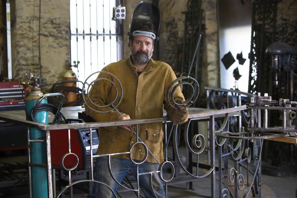 Custom fencing fabrication