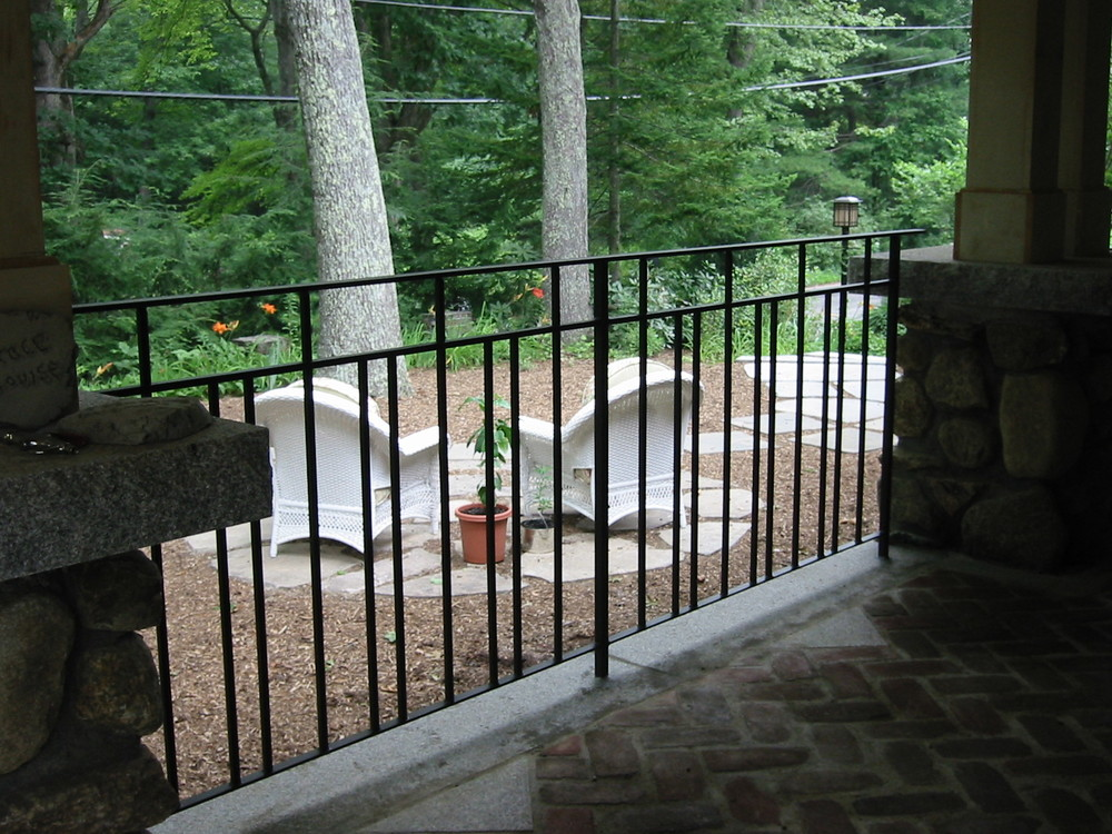 Horizontal-Bar Railing