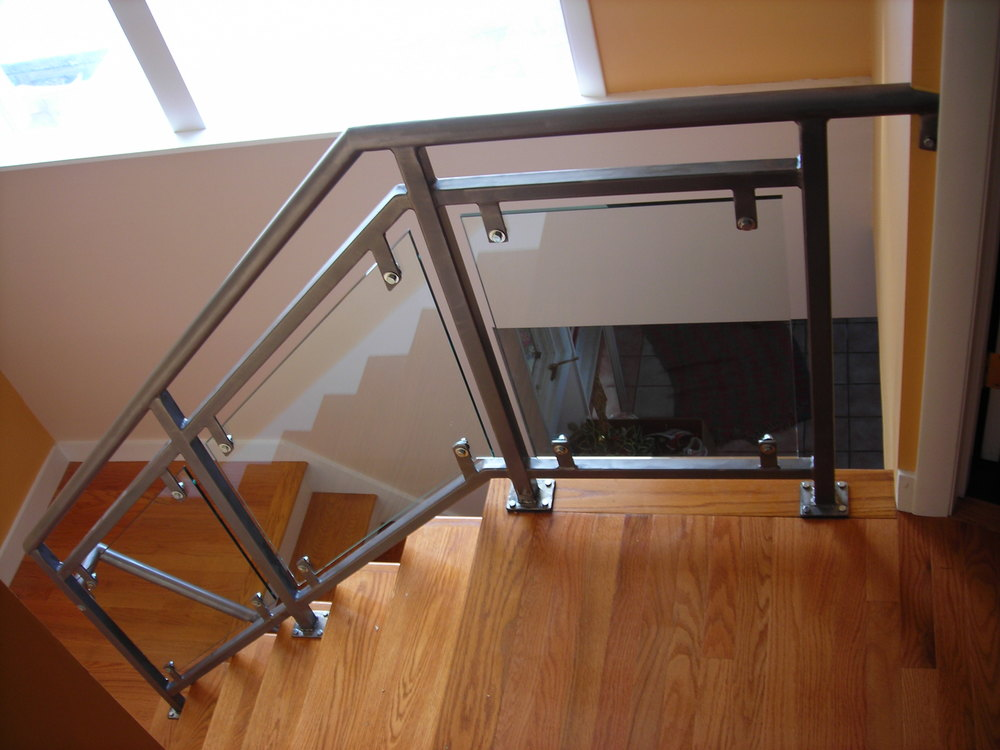 Steel & Glass-Panelled Railings. Brushed Finish Topped with Clear Coat. (3)