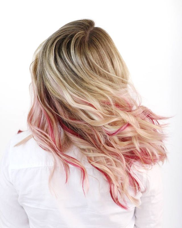 Movement in hair photos is one of my favorite things 😍  Also, did you guys see my rose gold transformation video I posted yesterday? I shared my favorite rose gold formula as well as a trick to help make your vivid colors last longer for your clients. It may or may not have something to do with nail polish 😉 #hairstylisthacks