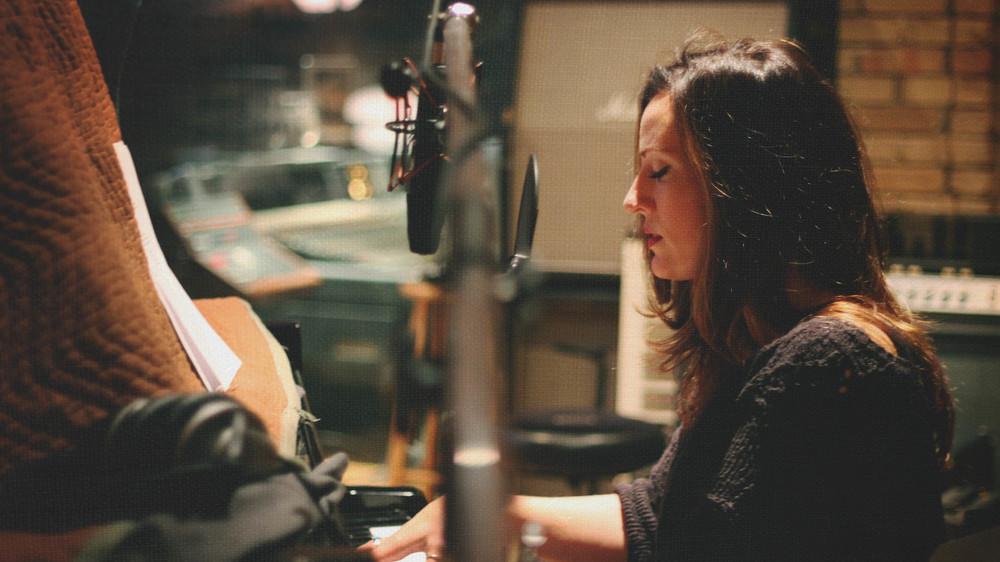 Keri Noble - Studio 5