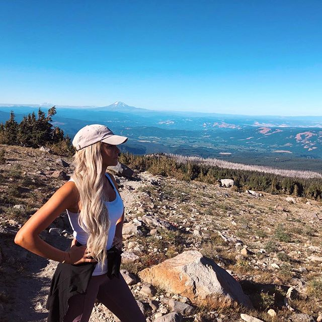 Realizing this was a difficult rated hike but it was too late to turn back 😦... But we nearly made it to #MtHoodSummit! 🏔🌲🌤 • • • #MtHood #CloudCap #Oregon #PNW #Travel #Nature #VisitOregon #MtHoodNationalForest #PacificNorthwest #Hiking #Mountain #Scenic #Views #Volcano #Portland #PDX #Forest #MountainView #Explore #Adventure #Wanderlust