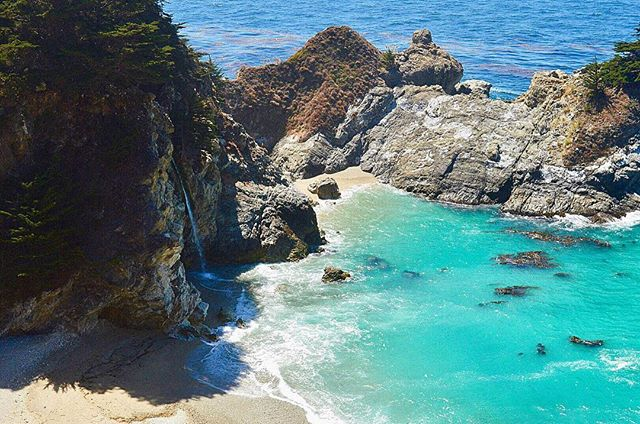 Crown jewel of Big Sur, CA this past weekend... 💎😍 The most beautiful and windy road trip. • • • #BigSur #Hwy101 #Pacific #PacificCoastHighway #PacificCoast #CA #California #Waterfall #McWayFalls #TurquoiseWater #Beach #Tidefall #Nature #Travel #RoadTrip #VisitCA #Coastline #USA
