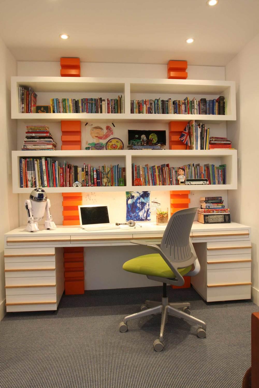 BoyBedroomBookshelf.jpg