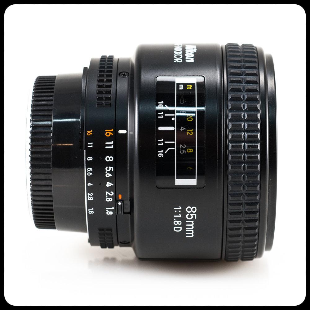 NIKKOR 85mm/1.8D
