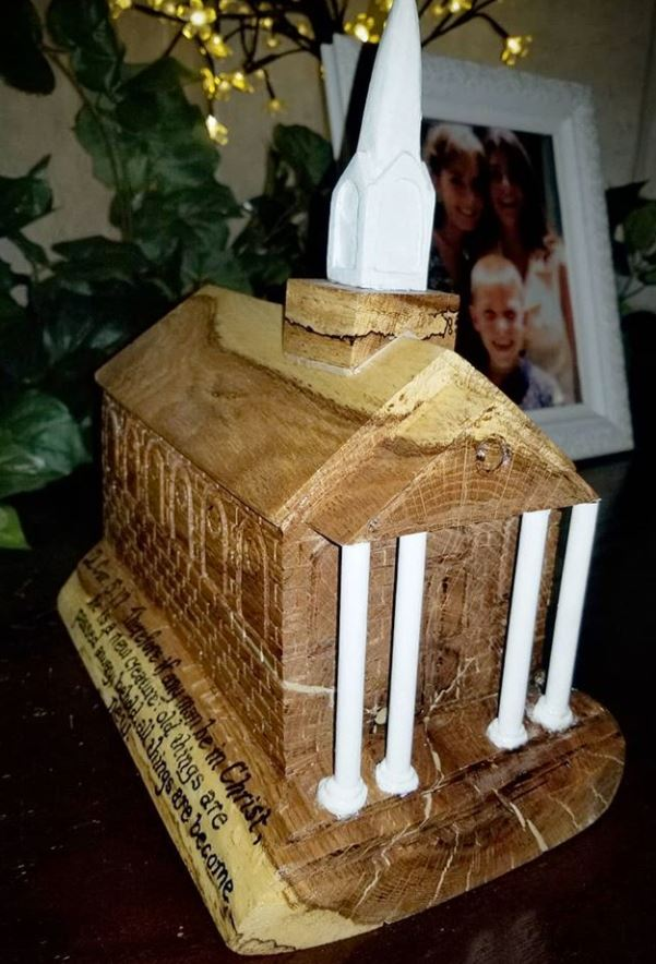 church replica carved from a stump