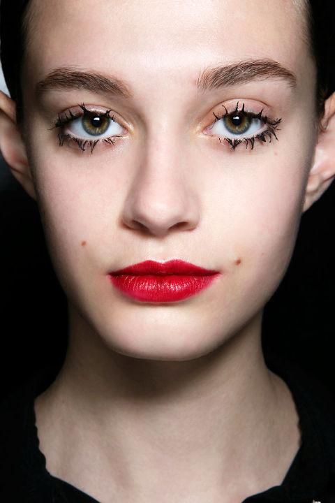 55025c8ca5149_-_hbz-halloween-makeup-prada-bbt-f14-003-66564358.jpg