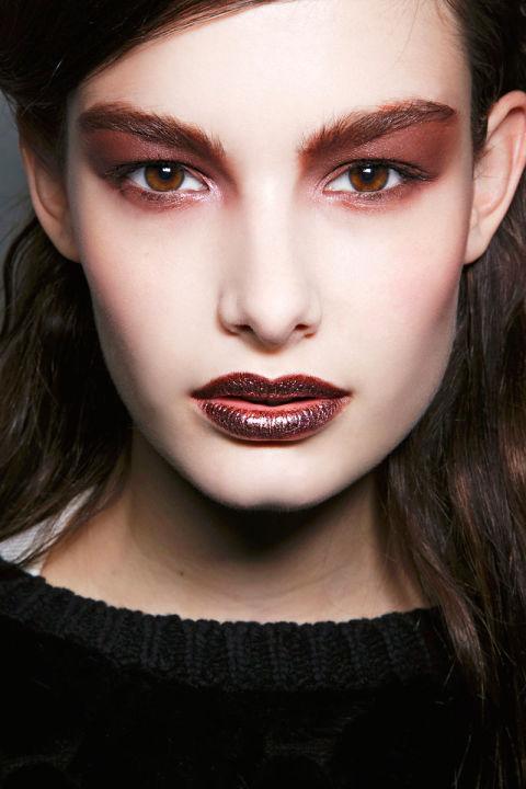 55025c8d5c9f0_-_hbz-halloween-makeup-rodarte-bbt-f14-014-46500230.jpg