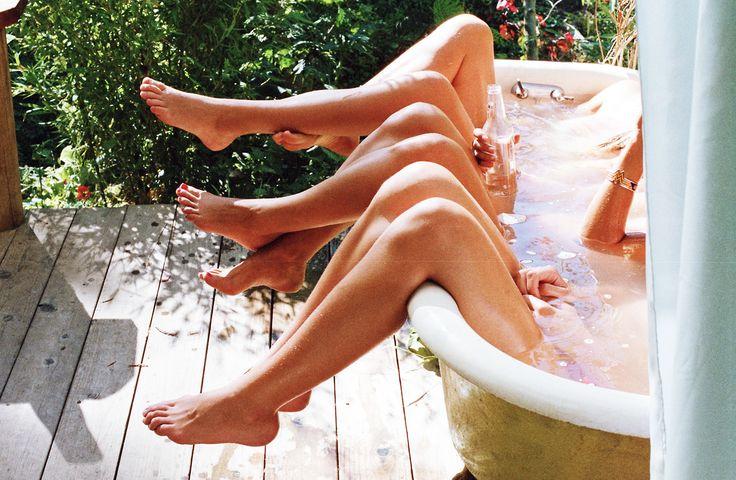 bathtubb.jpg