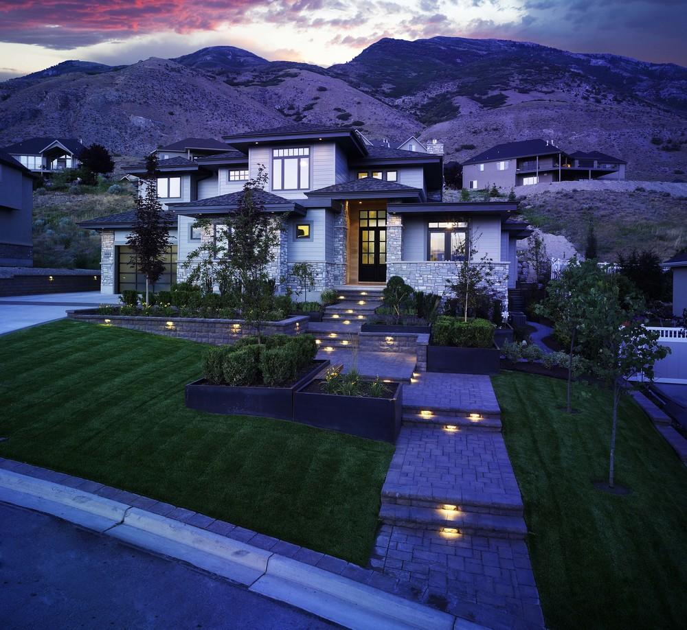 Utah paving and steps by Platinum Landscape & Pools.